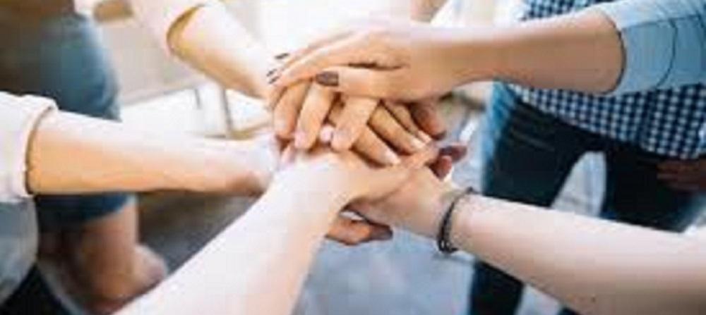 人握手團隊